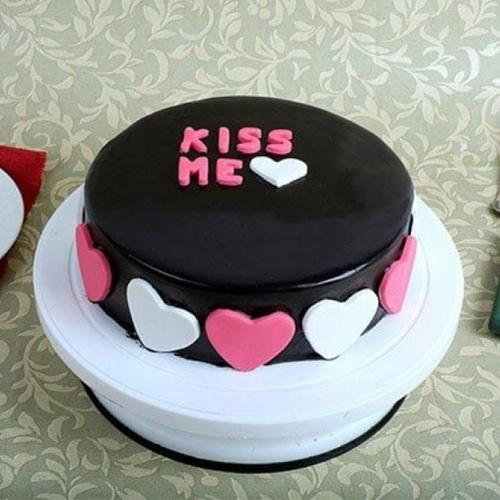 Marvelous Gift of Fondant Chocolate Cake for Kiss Day