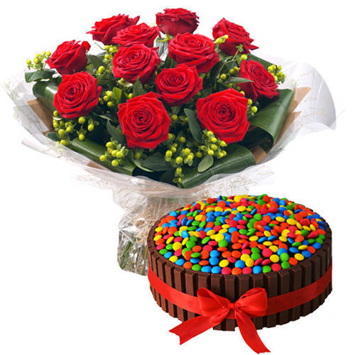 Gorgeous Bouquet of Red Roses with Kit Kat Cake