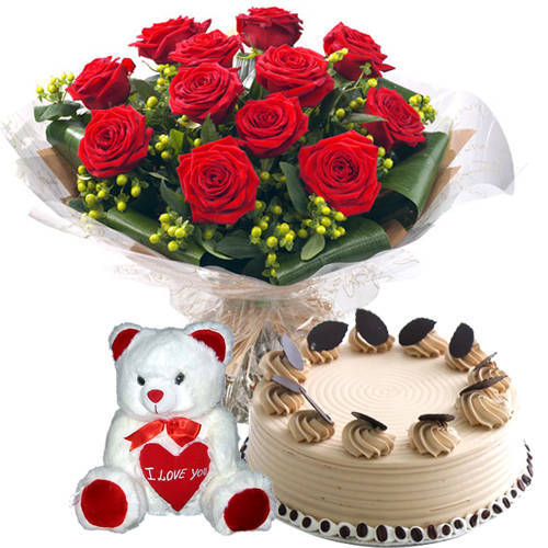 Classic Bouquet of Red Roses with Coffee Cake N Teddy