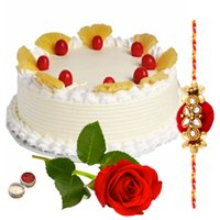 Mind-Blowing Eggless Cake Teamed with Rose in Red
