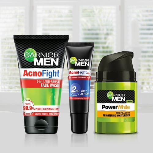 Exclusive Men Acno Fight Anti-Pimple Kit from Garnier