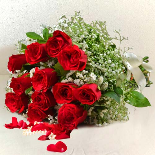Bunch of Fresh Red Roses