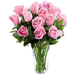 Fashionable Arrangement of Roses in a Vase
