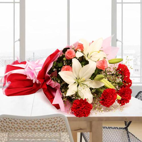 Attractive Bouquet of Colorful Flowers