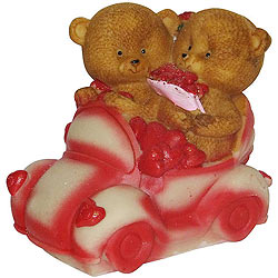 Heavenly Couple Teddy with Hearts in a Car