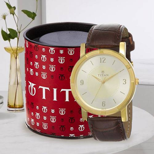 Outstanding Titan Analog Mens Watch
